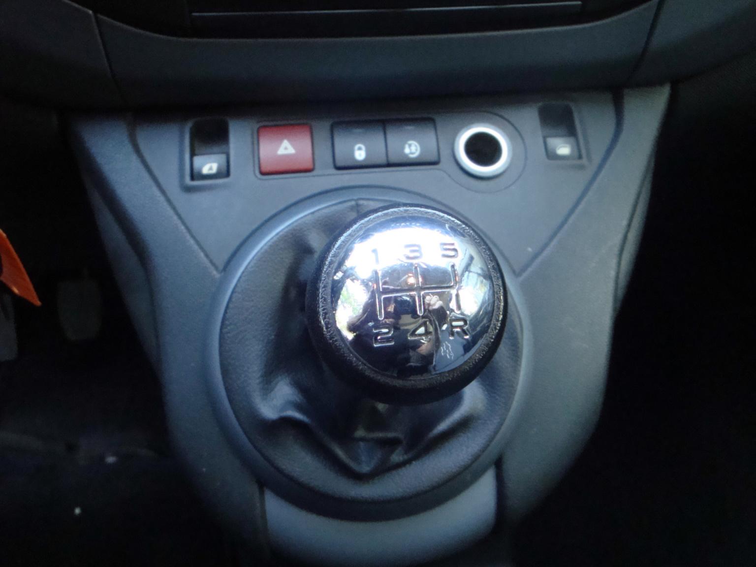 Peugeot-Partner-8