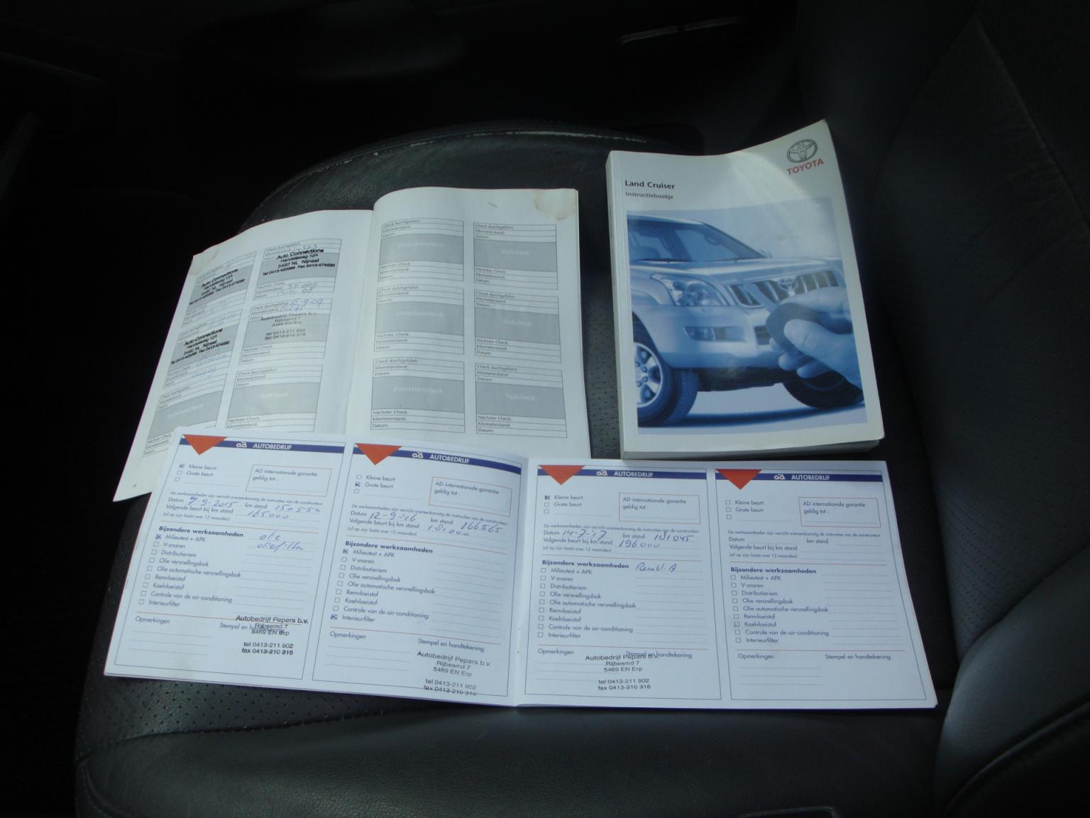 Toyota-Land Cruiser-16
