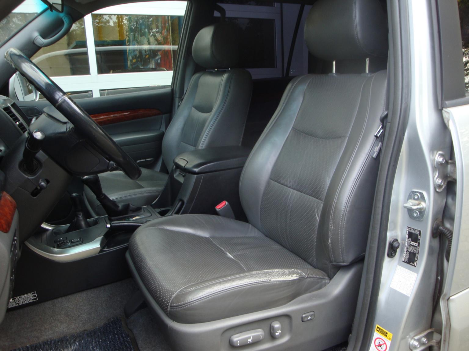 Toyota-Land Cruiser-5