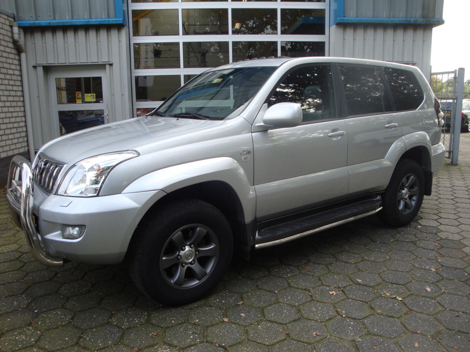 Toyota-Land Cruiser-22